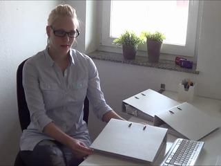 Ea20de7f in Chef hat mich im Büro benutzt und auf Brille gespritzt